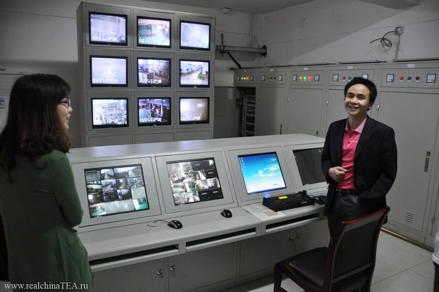 Система видеонаблюдения на упаковочном участке. Каждый сектор производства отслеживается камерами.