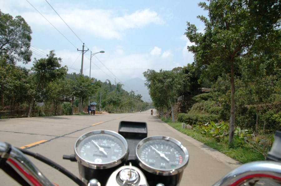 На мотоцикле по югу Китая. Что может быть более интересным и захватывающим?