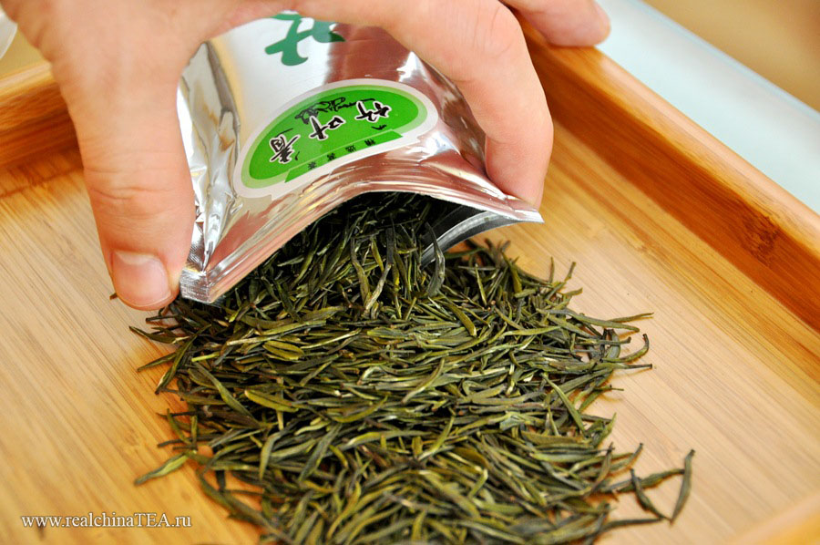Вот шикарный пример чая, изготовленного из типсов. Это Чжуецин. Он производится в провинции Сычуань, и для его изготовления идут исключительно верхние почки чайного флеша. www.realchinatea.ru