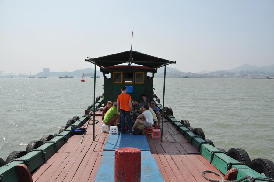 Мы зафрахтовали рыбацкий карабль и - в открытое море!