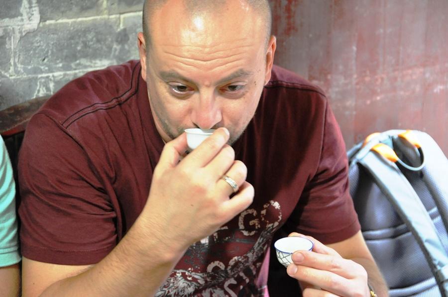 Чайное занятие Realchinatea.ru Это наш чайный турист - Денис