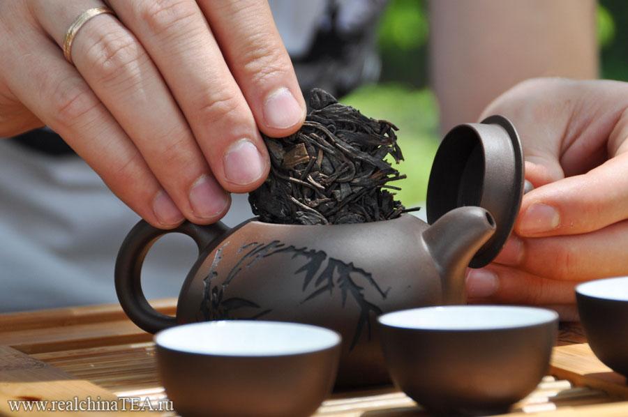Как заварить Пуэр в чайнике из исинской глины www.realchinatea.ru