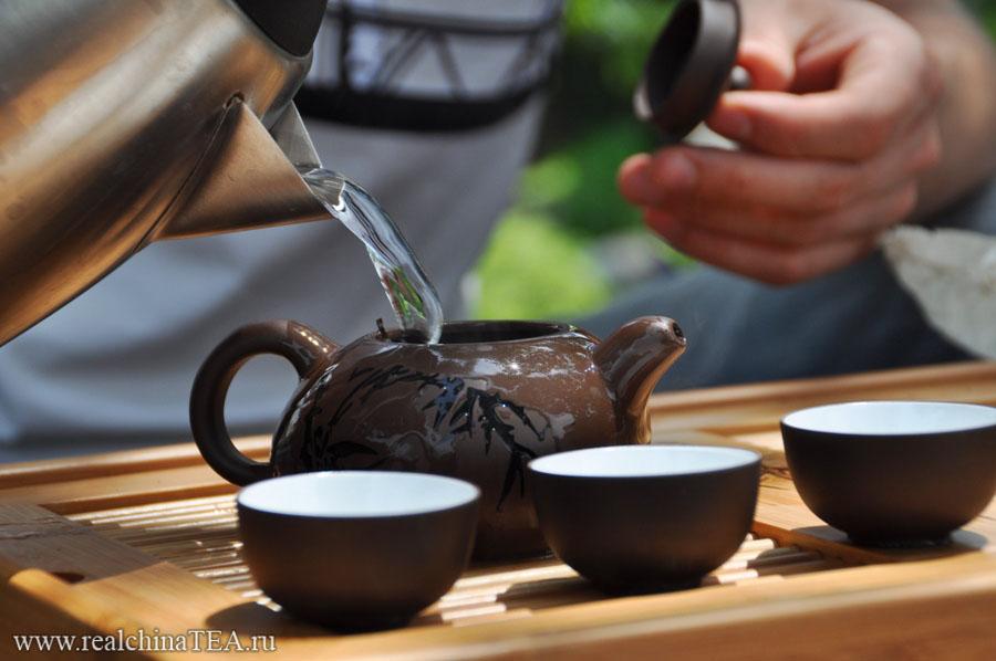 Как правильно заварить Пуэр в чайнике из исинской глины www.realchinatea.ru