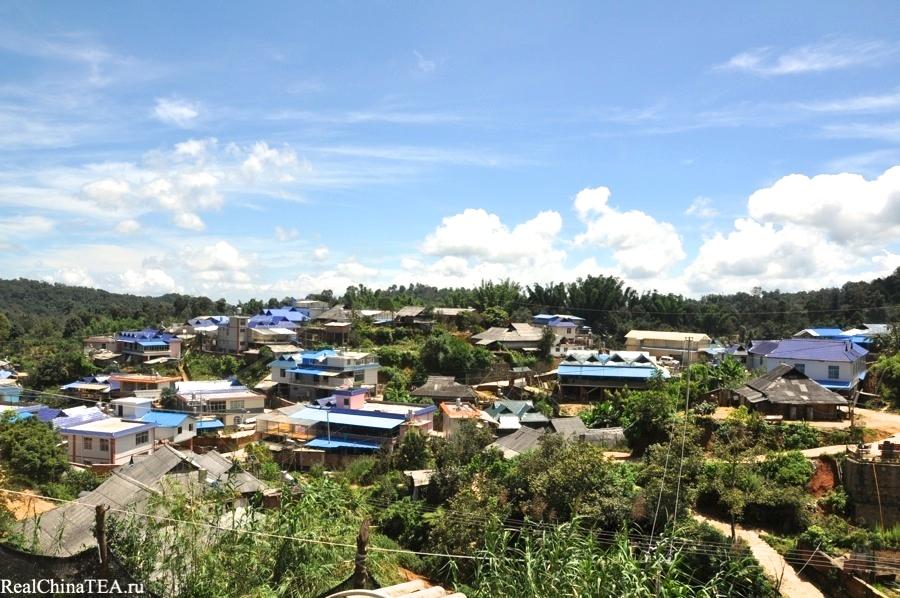 Вот так неожиданно скромно выглядит эта знаменитая деревня Лаобаньчжан RealChinaTea.ru