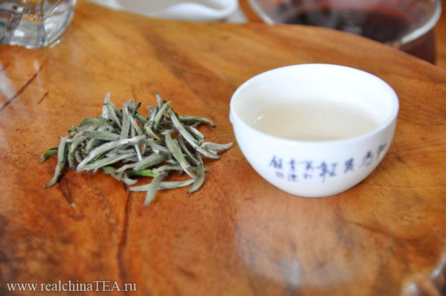 Белые чаи, пожалуй, самые деликатные из всех китайских чаев.