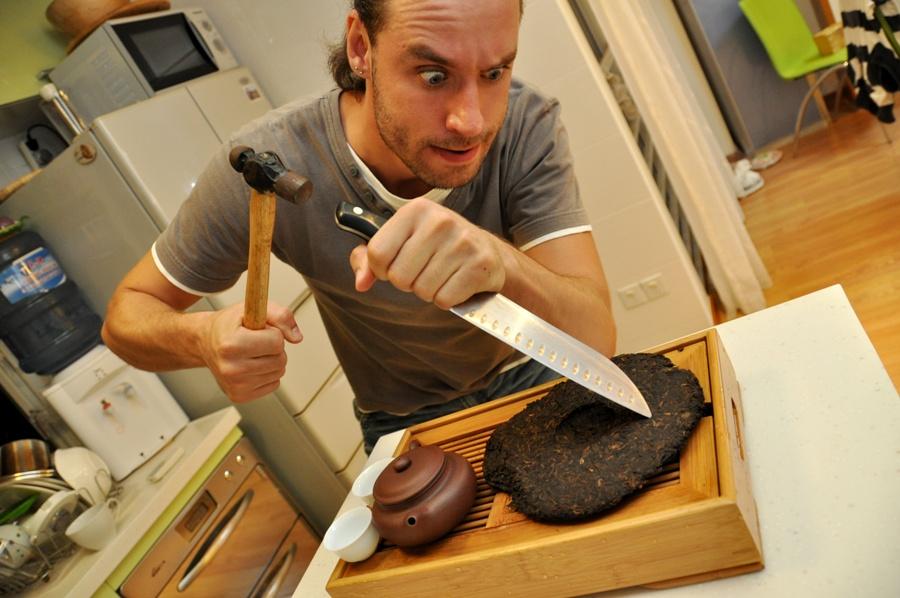 Молоток и нож - замечательная идея! Опасная, но эффективная!