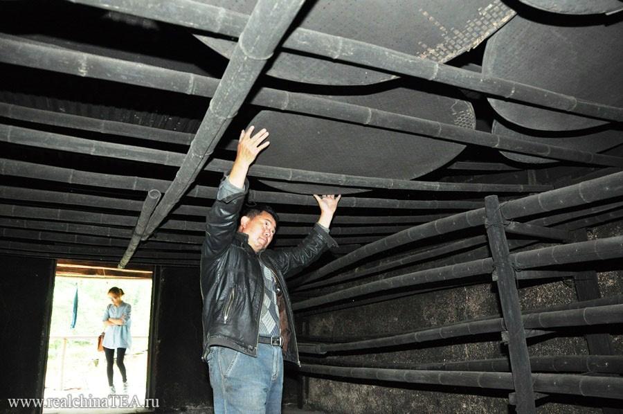 Черная-черная комната...