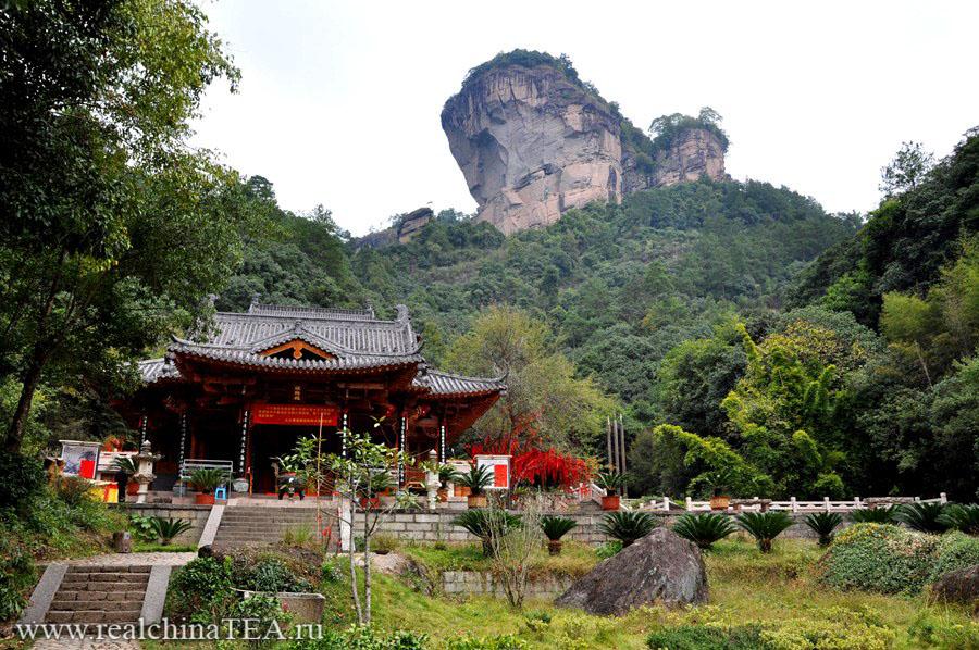 Даосский монастырь в горах Уишаня
