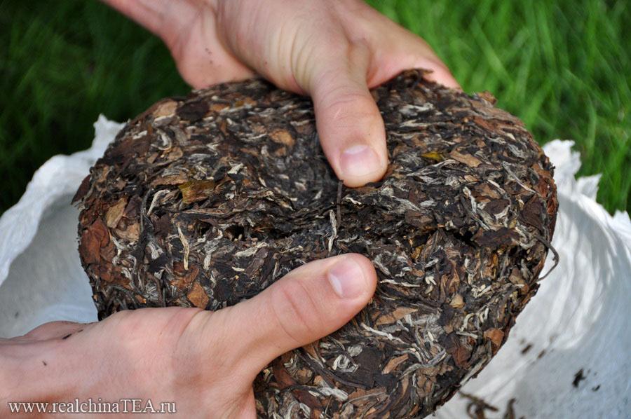 Белый чай в форме блина - тоже не Пуэр.