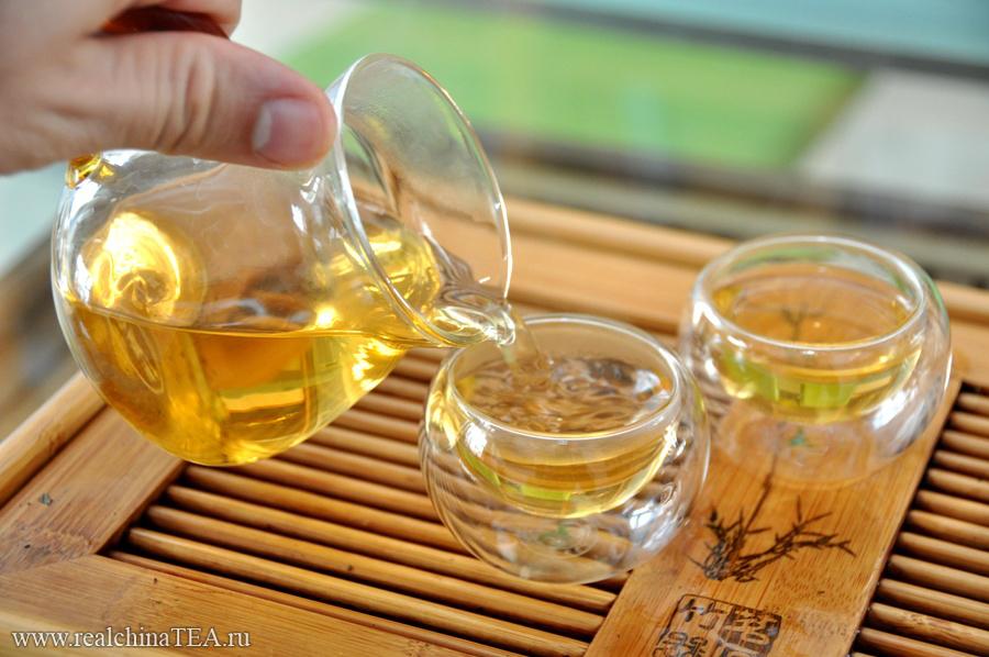 Черный кирпичный Байшаси - это заряженный мужской чай. Но чтобы понять его, не заваривайте слишкогм крепко. Будьте с ним осторожны.