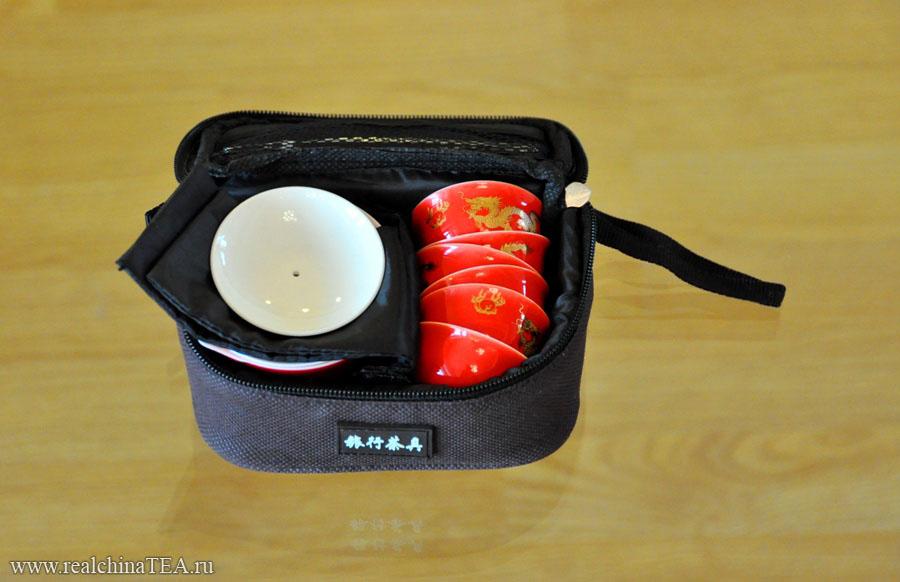 Миниатюрный набор для чайной церемонии.