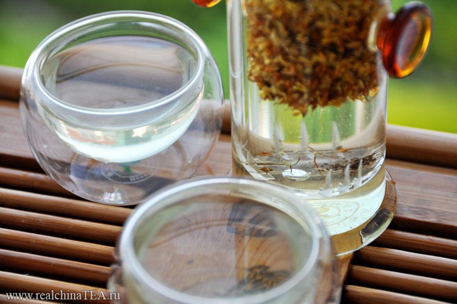 Османтус в чистом виде дает прозрачный, но удивительно ароматный настой.