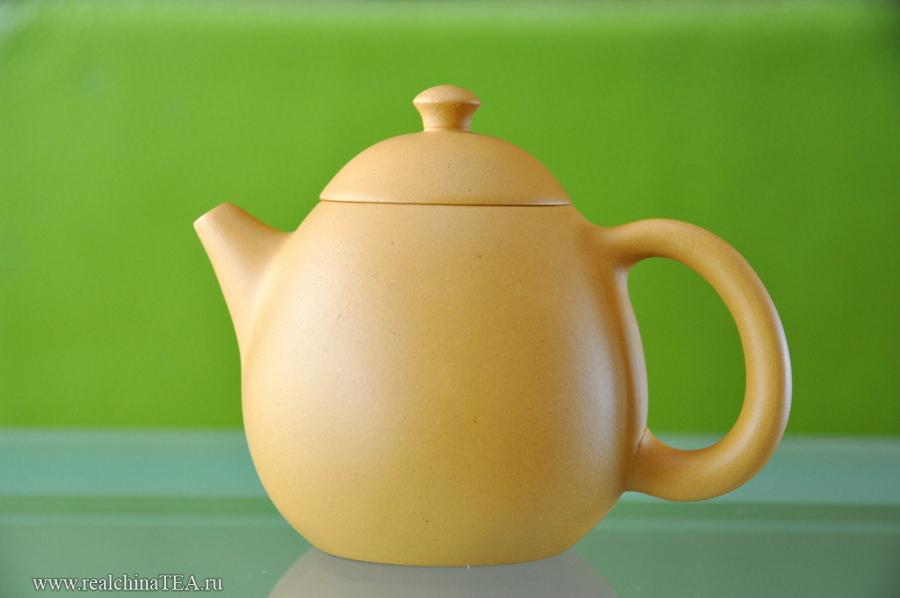 Давайте прежде всего посмотрим на этот чайник со всех сторон. Поехали!