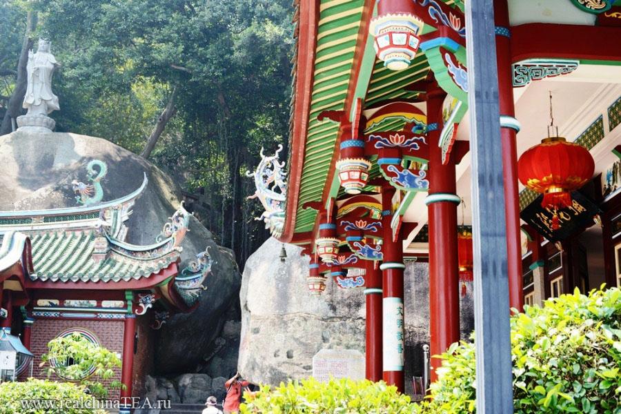 Буддийский монастырь на маленьком острове в Тайваньском проливе.