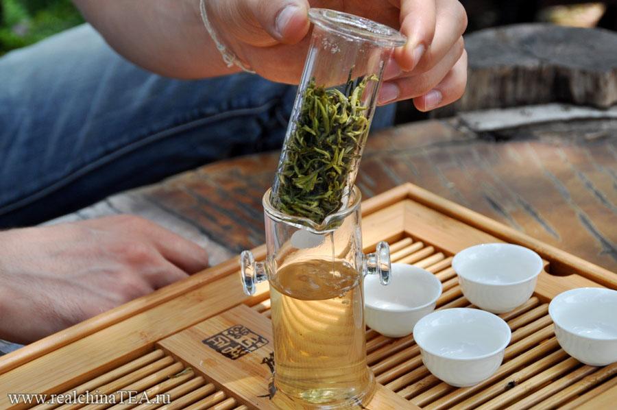 Как заварить чай в чайной колбе
