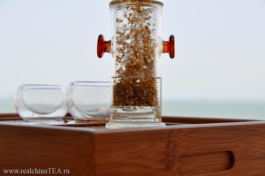 Заваривать османтус можно как самостоятельный напиток, так и в качестве добавки к другим чаям. И тот и другой способ - хороши и интересны.