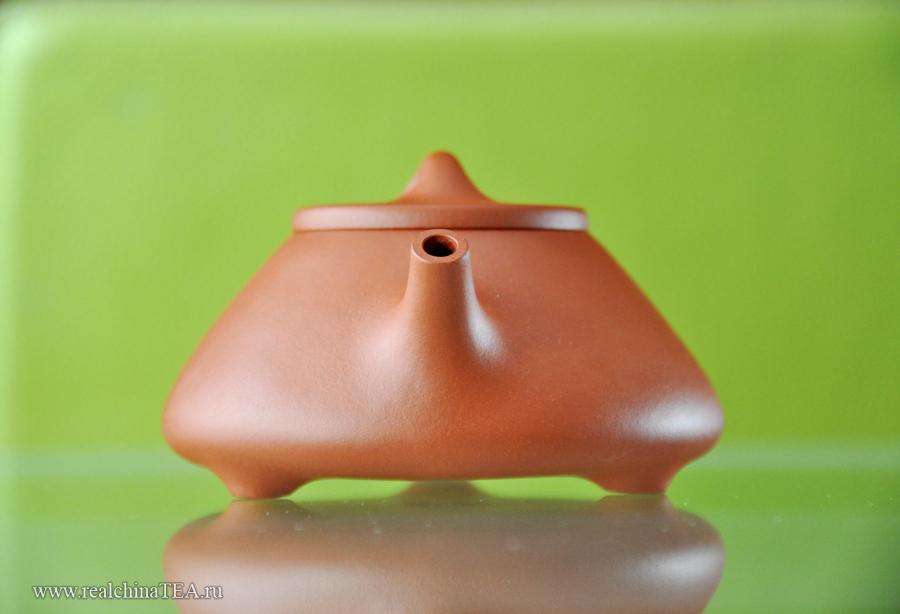 """Когда я смотрю на этот чайник спереди, я ловлю  себя на мысли, что его формы напоминают мне самолет """"Стелс"""" )"""